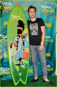 ed-westwick-teen-choice-awards-2009-02